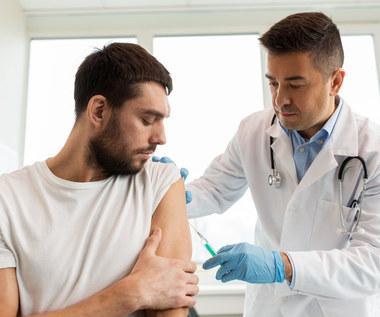 Czy państwo może zmusić do obowiązkowych szczepień na koronawirusa? Sprawdzamy przepisy