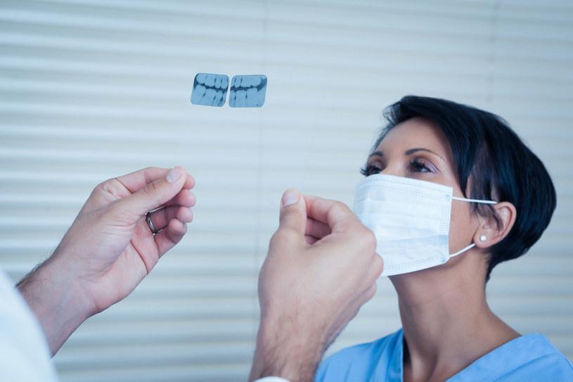 Czy pasta nowej generacji zastąpi dentystów? /123RF/PICSEL