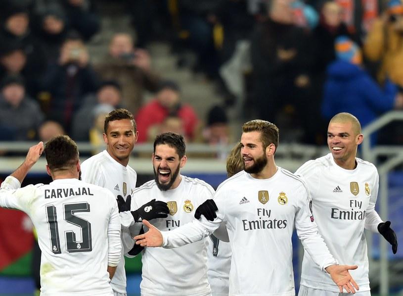 Czy piłkarze Realu Madryt będą w niedzielę tak świętować? /AFP