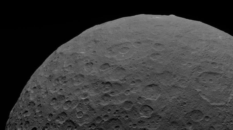 Czy planeta karłowata Ceres jest aktywna wulkanicznie do dzisiaj? /NASA