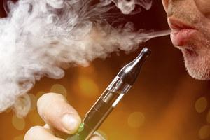 Czy płyny do e-papierosów zawierają szkodliwe związki?