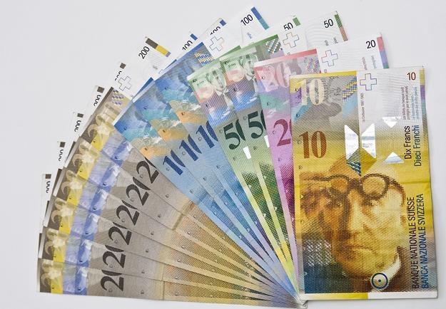 Czy Polacy dadzą radę na dłuższą metę sprostać kursowi franka w okolicy 4 zł? /© Panthermedia