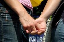 """Czy Polacy popierają małżeństwa jednopłciowe? Sondaż dla """"SE"""""""
