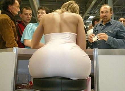 Czy pornoprzeszłość to przeszkoda? Nz. Maya Gold, węgierska porno-star /AFP
