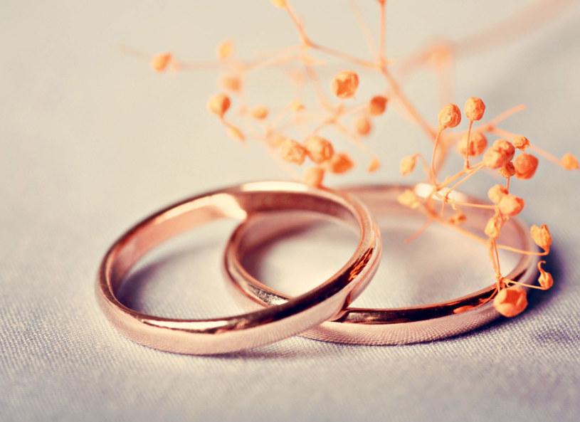 Czy powinnam wyjść za niego za mąż? /123RF/PICSEL