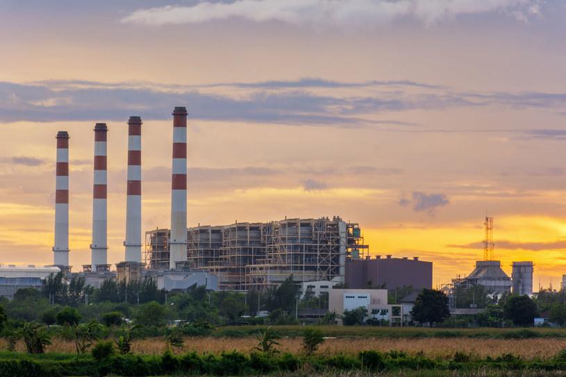 Czy powinniśmy wybudować elektrownie atomową? /123RF/PICSEL
