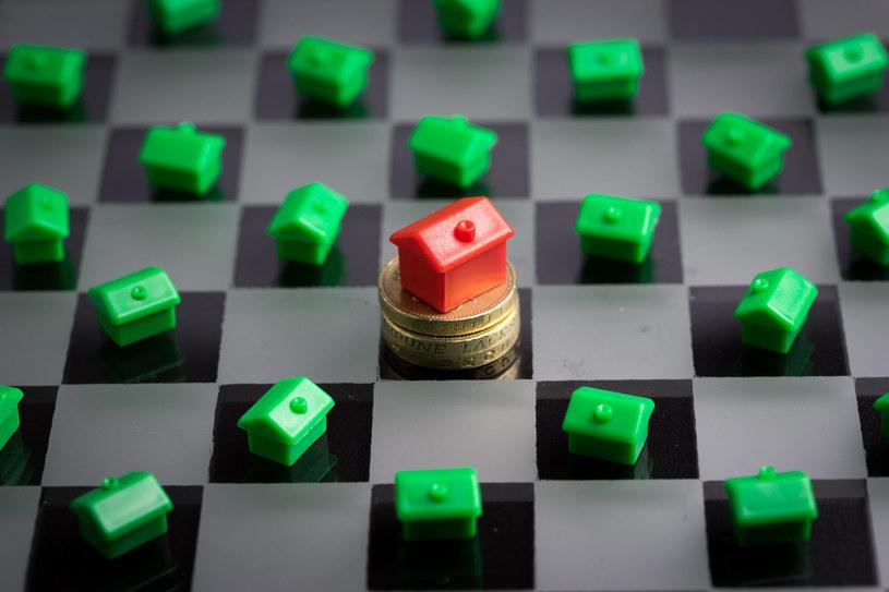 Czy powstaje światowa bańka spekulacyjna na rynku nieruchomości? /123RF/PICSEL