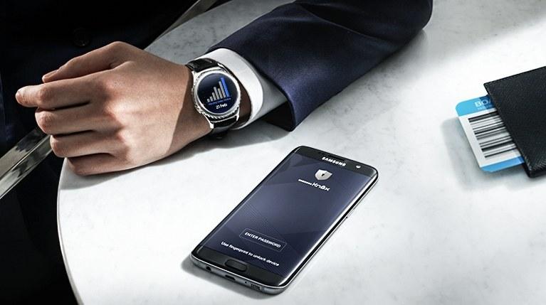 Czy pracownicy zbyt często korzystają ze smartfonów w celach prywatnych? /materiały prasowe
