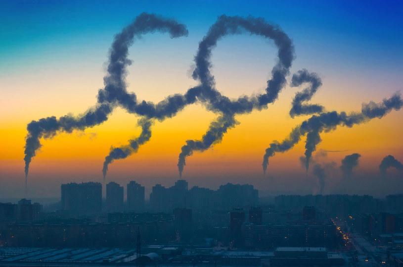 Czy prawa do emisji CO2 podrożeją o 30 procent? /123RF/PICSEL