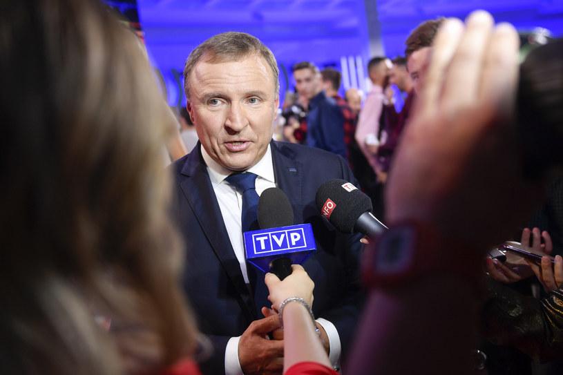 """Czy prezes TVP Jacek Kurski naciskał na producentow filmu Jacka Bromskiego """"Solid Gold""""? /AKPA"""