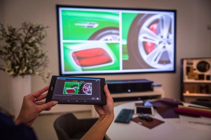 Czy przyszłość sprzedaży samochodów należy do interaktywnych multimediów? /INTERIA.PL/informacje prasowe