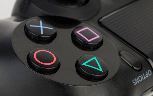 Czy PS4 potanieje także w innych regionach świata? /123RF/PICSEL