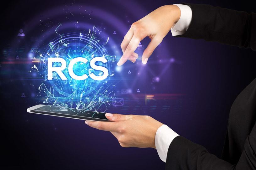 """Czy RCS rzeczywiście będzie """"Następcą SMS-ów"""" /123RF/PICSEL"""