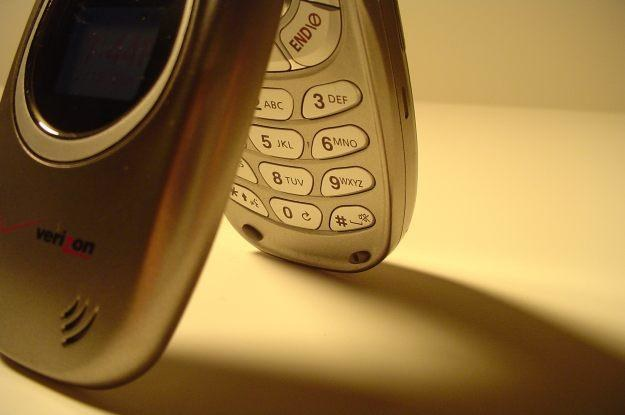 Czy rozmowy telefoniczne umierają?  fot. Dawson Toth /stock.xchng