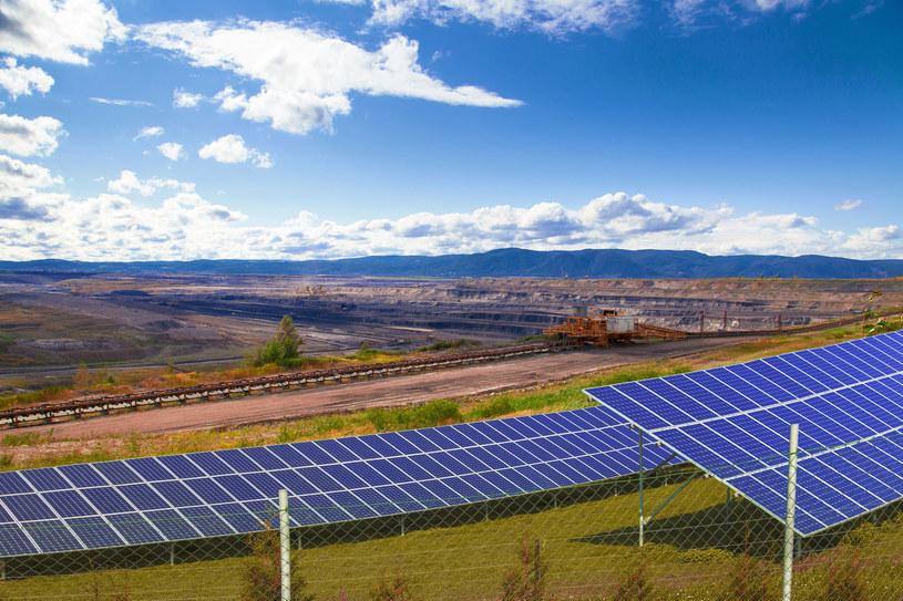 Czy rozwijający się prężnie sektor odnawialnych źródeł energii może rozwiązać problem zwolnień w górnictwie? /123RF/PICSEL