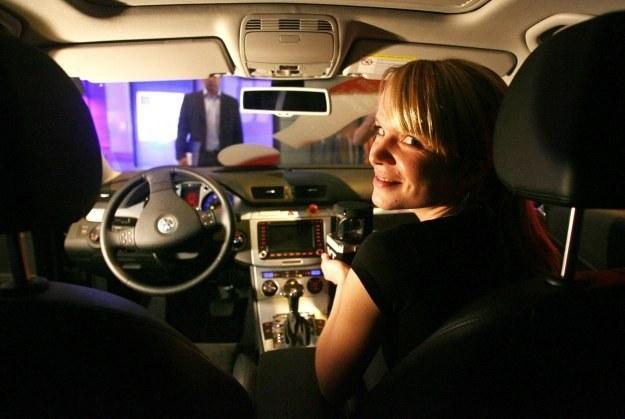Czy samochody będą mogły kiedyś jeździć bez kierowców? /AFP