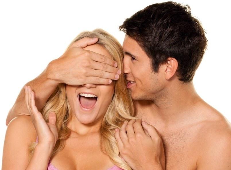 Czy seks naprawdę sprawia, że jesteśmy szczęśliwsi? /East News