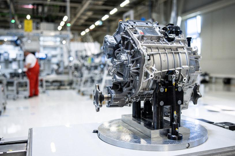 Czy silniki elektryczne naprawdę zastąpią jednostki spalinowe? /Getty Images