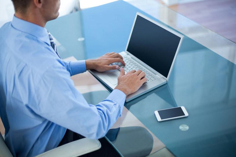 Czy sklep internetowy z którego korzystamy jest bezpieczny? /123RF/PICSEL
