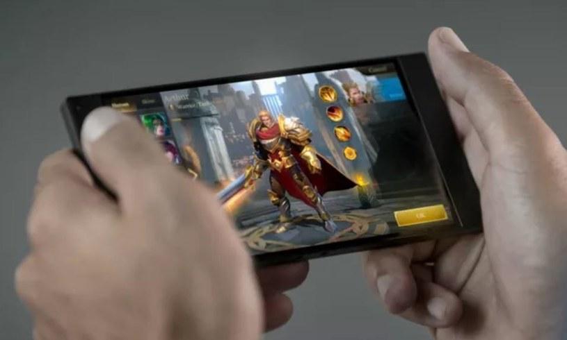 Czy smartfony dla graczy mają sens? /Weibo /Internet