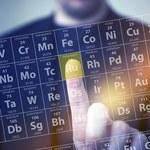 Pierwiastech chemiczny (Au ), metal , liczba atomowa 79