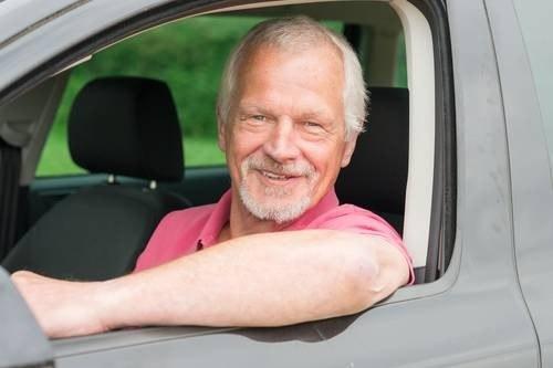 Czy starsi kierowcy naprawdę są niebezpieczni? /Value Stock Images /East News