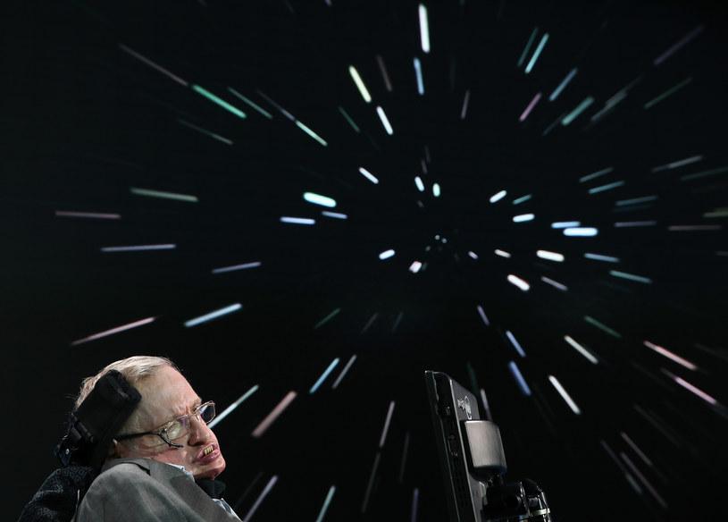 Czy Stephen Hawking będzie w stanie udać się w przestrzeń kosmiczną? /AFP