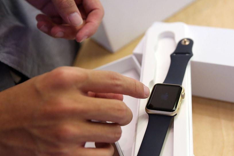 Czy Steve Jobs wiedział o pracach nad Apple Watchem? /AFP