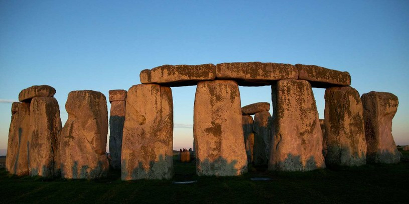 Czy Stonehenge było instrumentem, który wydawał szereg dźwięków w rożnych tonacjach? /AFP