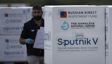 """Czy szczepić się rosyjskim """"Sputnikiem V""""?"""