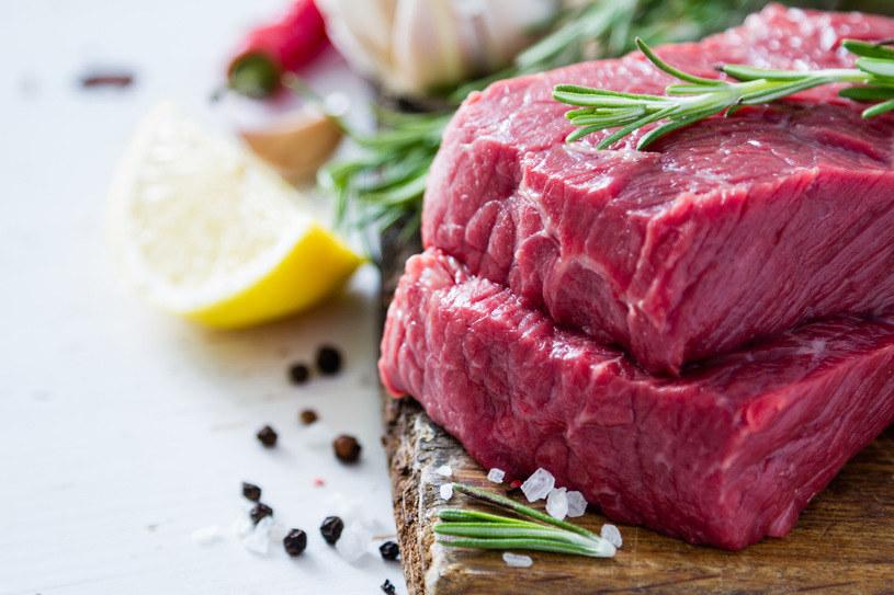 Czy sztuczne mięso stanie się popularne? /123RF/PICSEL