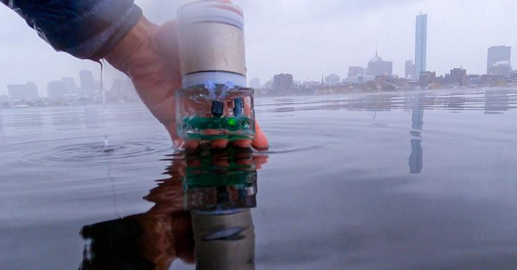 Czy takie urządzenia wkrótce staną się wyposażeniem wszystkich robotów pływających? /materiały prasowe