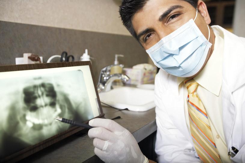 Czy Tideglusib pomoże w regeneracji zębów? /© Glowimages