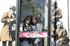 Czy to Banksy znów zaskakuje? Służby specjalne ośmieszone