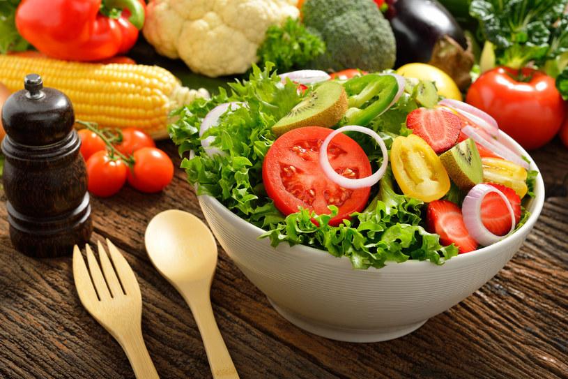 Czy to co jemy jest zdrowie? Dwie wielkie firmy postanowiły to zbadać /123RF/PICSEL
