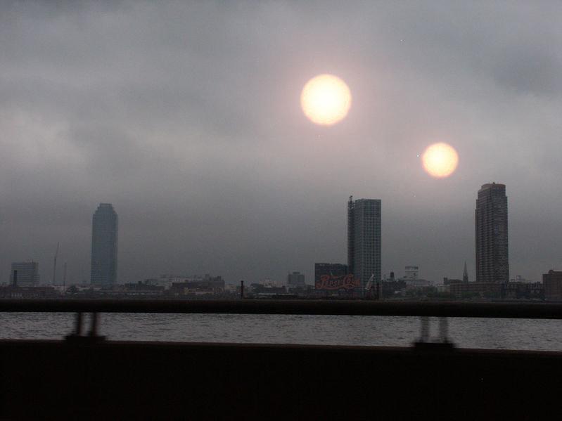 Czy to możliwe, że jeszcze za naszego życia zobaczymy na niebie drugie słońce? /123RF/PICSEL