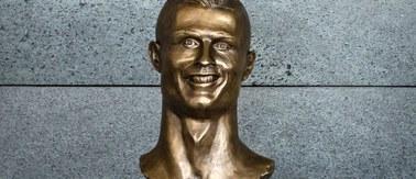 Czy to na pewno jest Ronaldo? Odsłonięto absurdalne popiersie piłkarza
