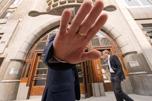 Czy to ostatni dzwonek, by załapać się na tani kredyt? /AFP