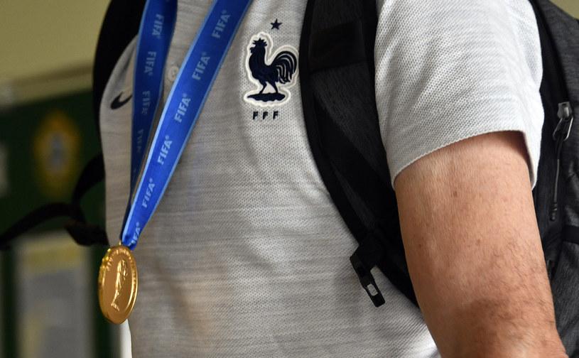 Czy to ten medal znalazł nowego właściciela? /AFP