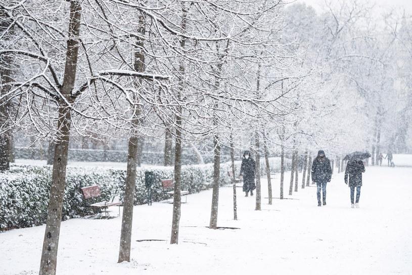 Czy w Polsce pogoda ochłodzi się tak bardzo jak w... Hiszpanii? /EMILIO NARANJO /PAP/EPA