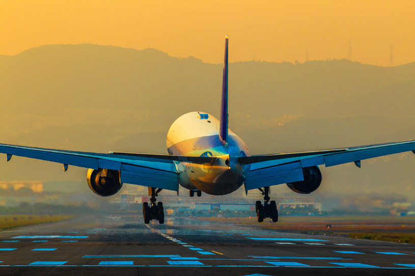 Czy w przyszłości latanie znów stanie się luksusem? /123RF/PICSEL