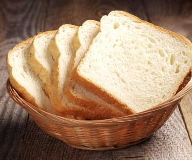 Czy warto jeść chleb tostowy? Cała prawda