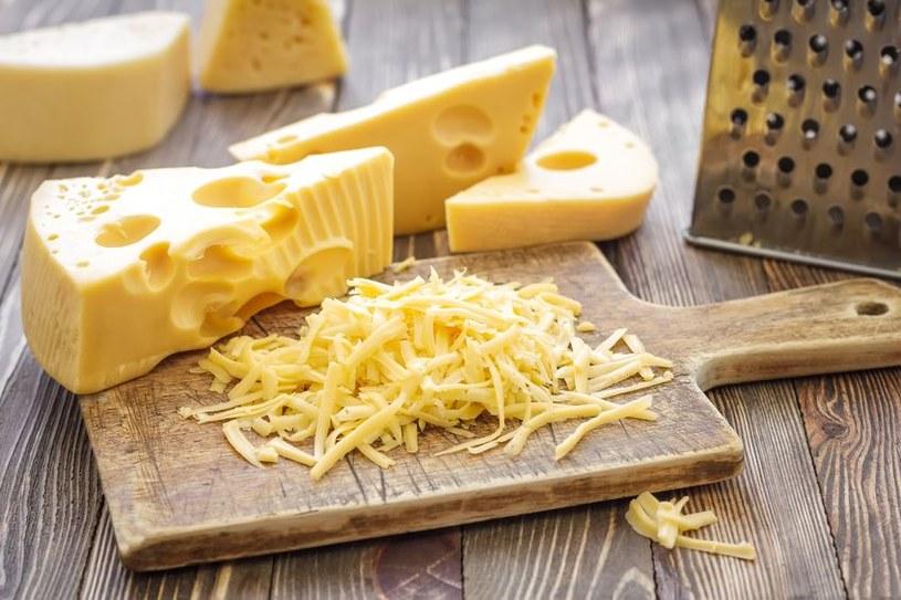 Czy warto jeść żółty ser? /©123RF/PICSEL