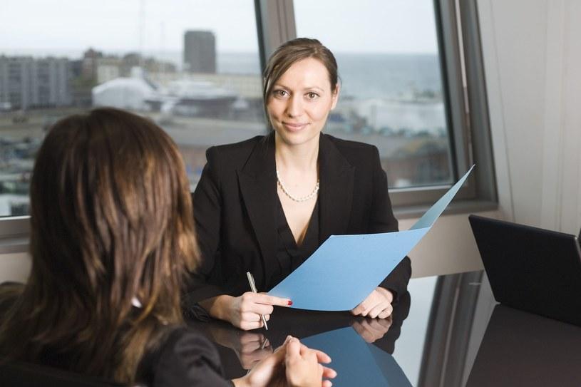 Czy warto sprawdzić przyszłego pracodawcę? /123RF/PICSEL