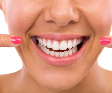 Czy warto wybielać zęby?