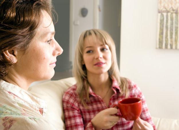 Czy warto zabiegać o przyjaźń członków rodziny? /© Panthermedia