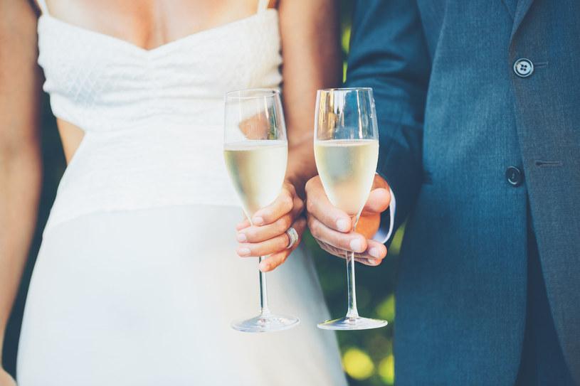 Czy wesele bez alkoholu oznacza gorszą zabawę? /123RF/PICSEL