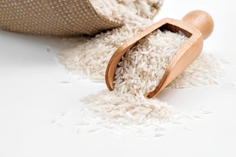 Czy wiedziałaś, że jedzenie ryżu może mieć wpływ na sen? /123RF/PICSEL