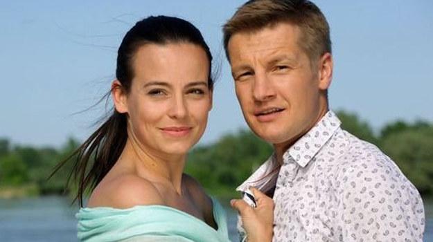 Czy wizyta w Grabinie oznacza, że para znów będzie razem? /MTL Maxfilm