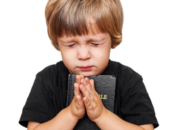 Czy wychowywać dziecko w wierze? /123RF/PICSEL